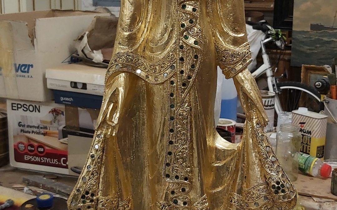 Figura de Buda daurada